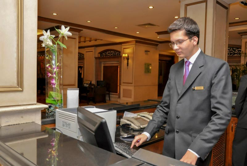 Hotel Manager Video Career Salary Job It S Nacho