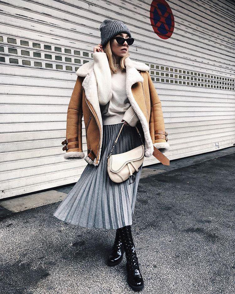 How to Upgrade Your College Outfits with The Latest Trends pleated skirt coat white sweater gray hat bag
