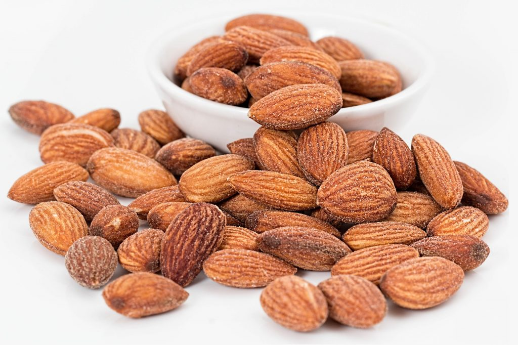 5 Delicious and Healthy Snack Choices nuts almonds