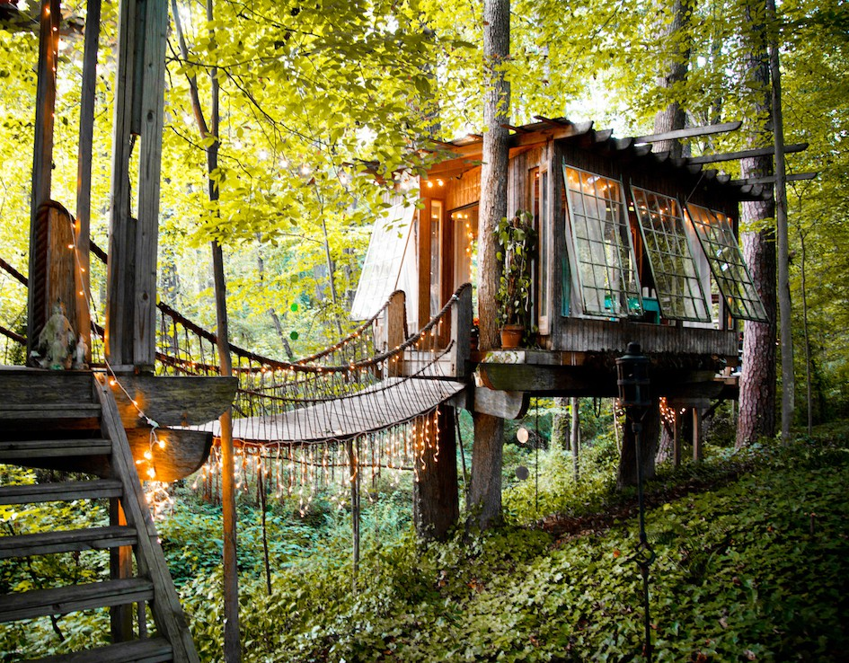 Craziest Airbnb Listings For 2018 tree house