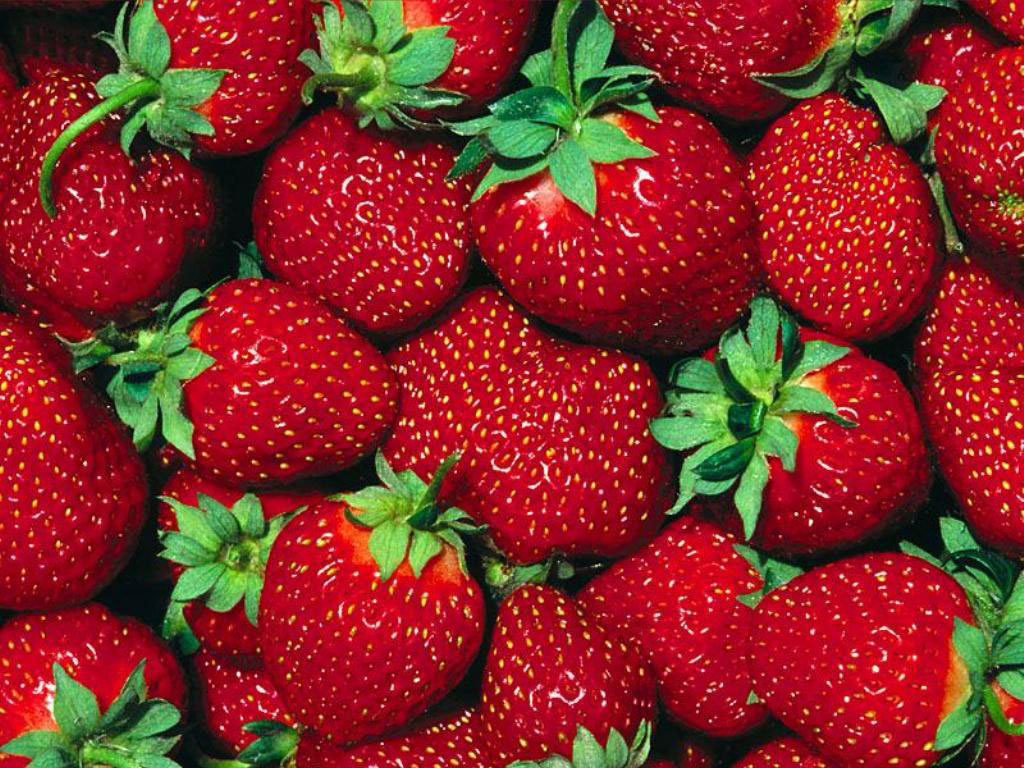 Healthy Foods With Amazing Beauty Benefits strawberries