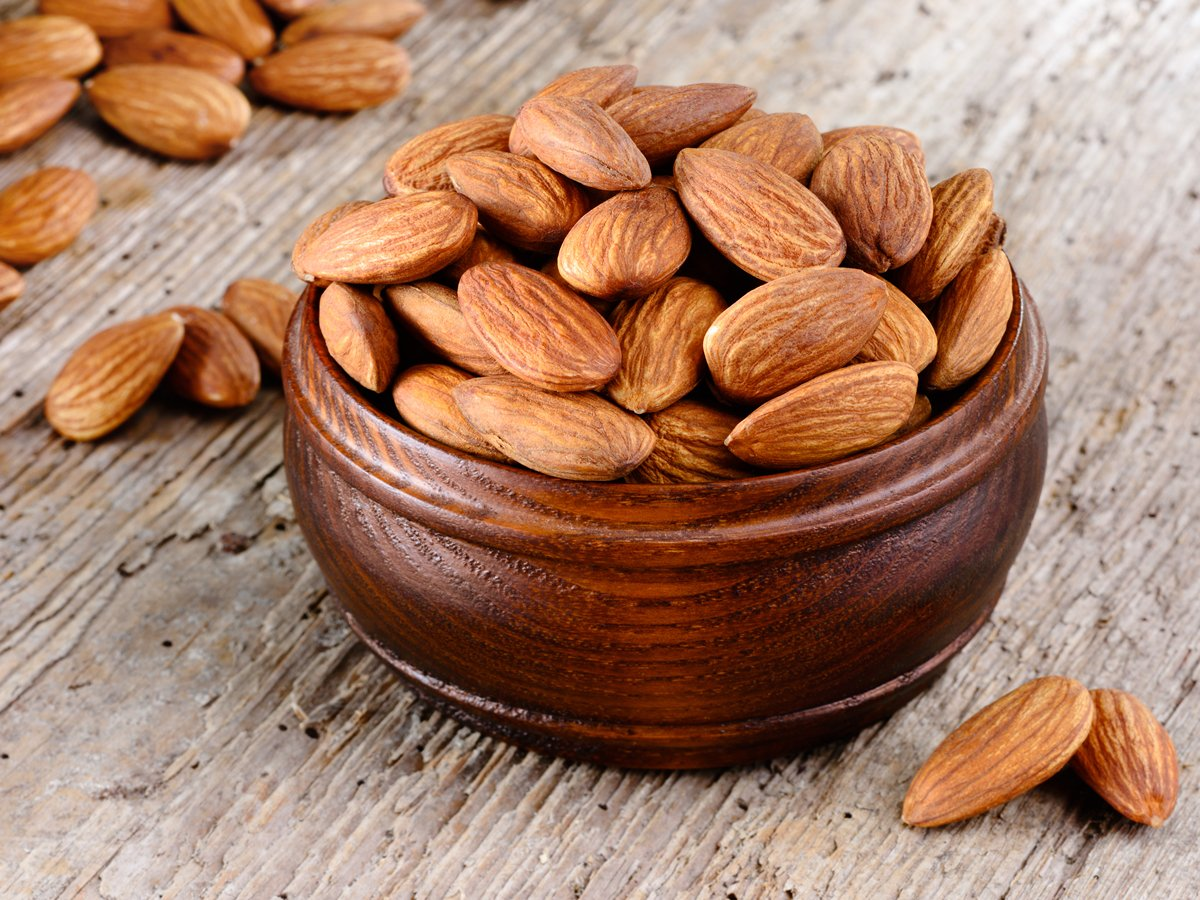 Healthy Foods With Amazing Beauty Benefits almonds