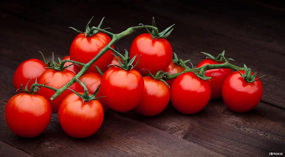 Tasty Fat-Burning Fruits You Need In Your Life tomatoes