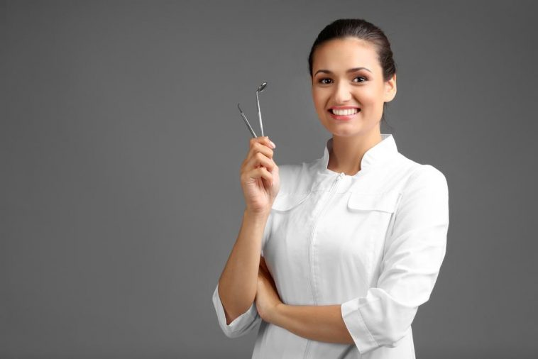 Alternative Careers in Dentistry: 5 Non-clinical Career