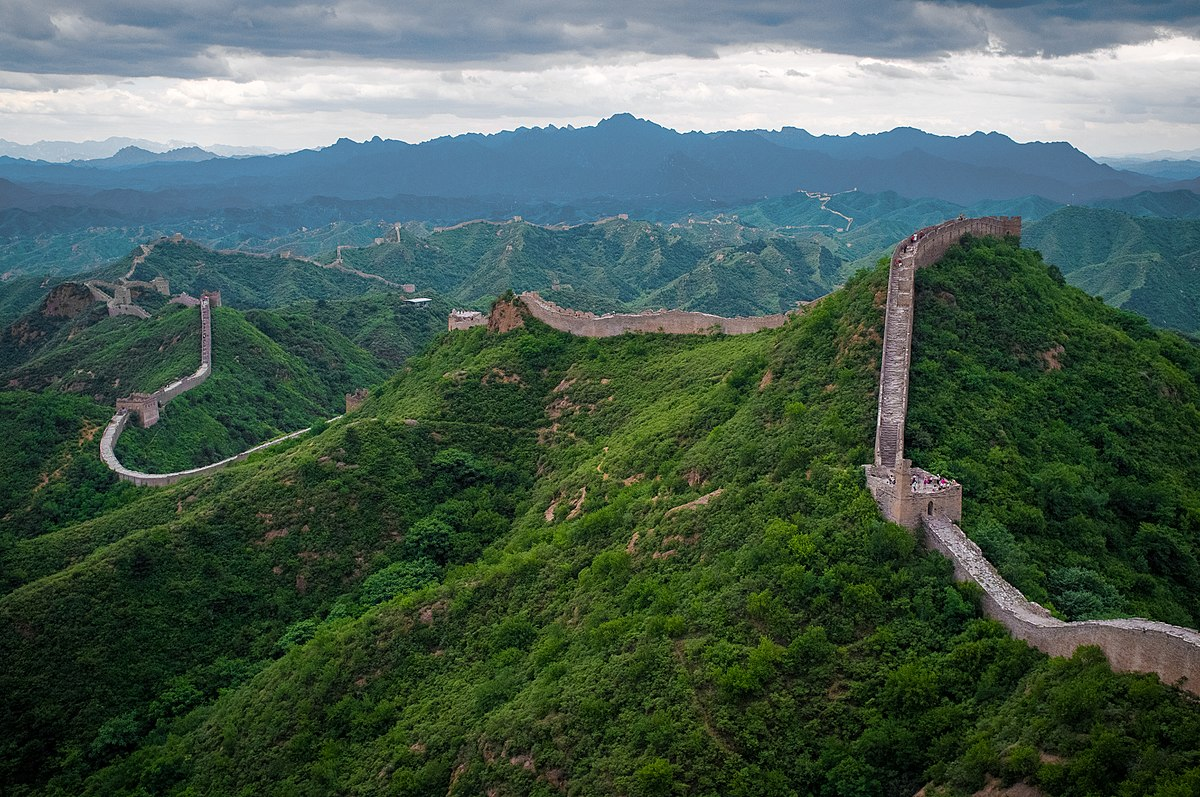 The Most Popular Tourist Attractions In The World great wall of china