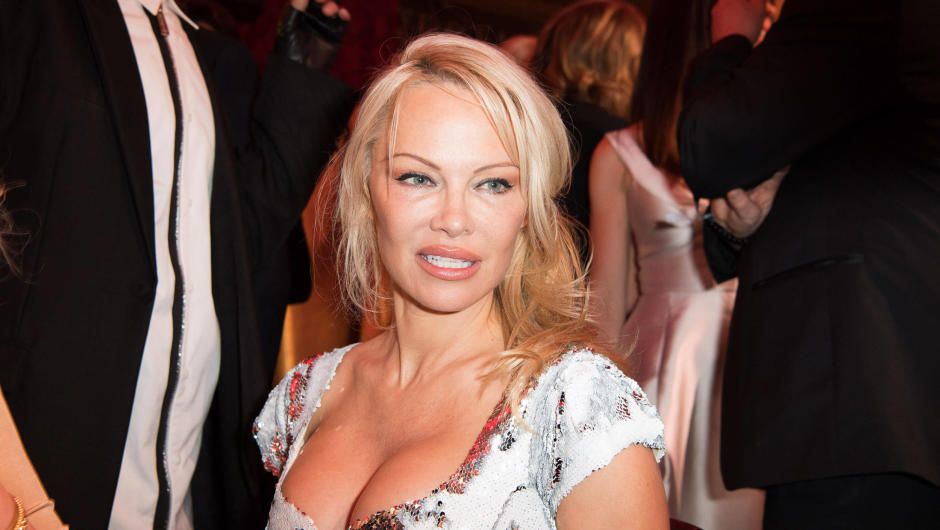These Celebrities Have A Surprisingly Low Net Worth pamela anderson