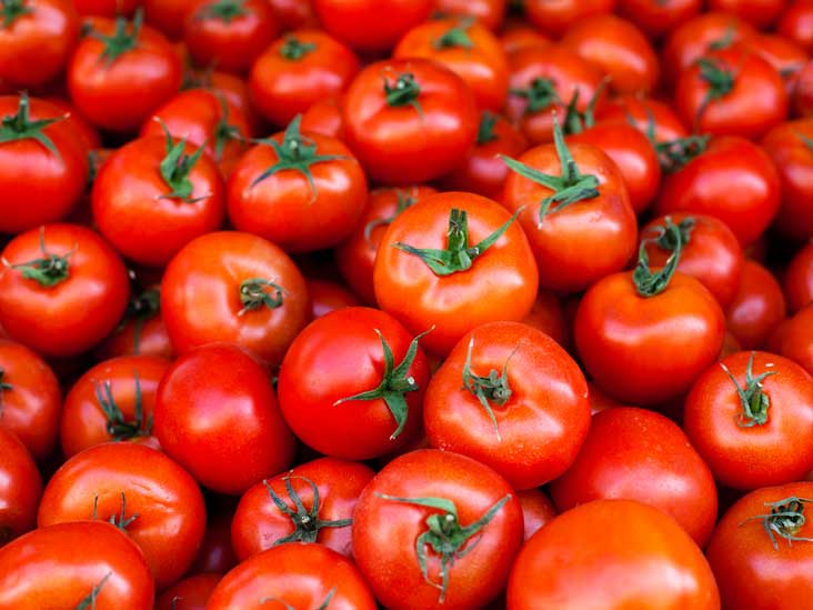5 Foods You Should Never Store In The Fridge tomatoes