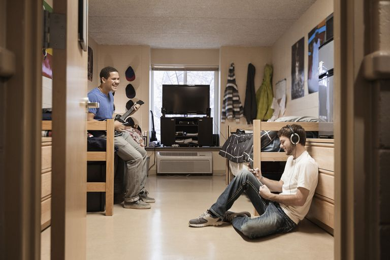 5 Tips For Being A Good Roommate
