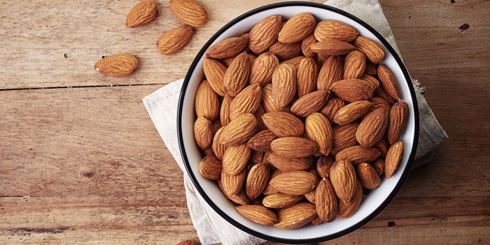 4 Foods To Eat Before Bed  almonds