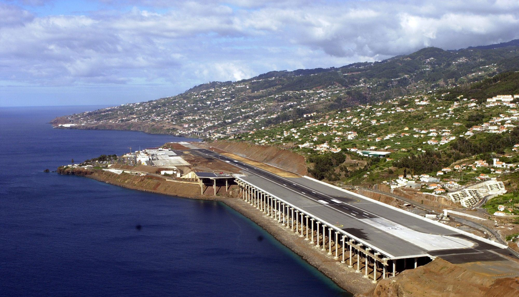 The Craziest Airports In The World madeira