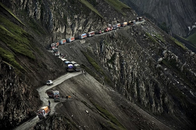The Most Dangerous Roads In The World zoji