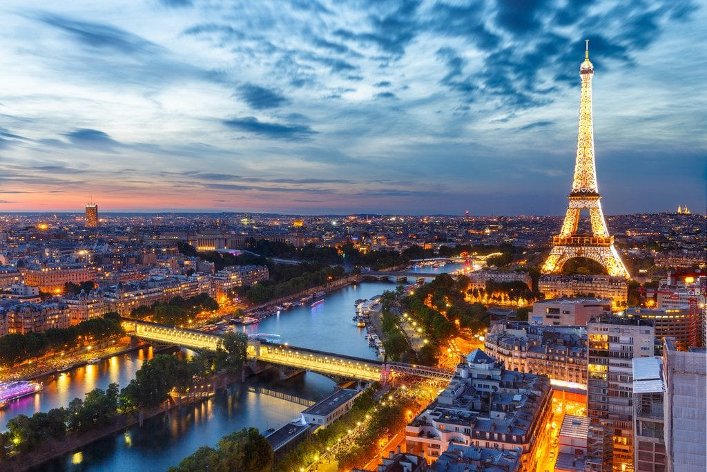 The Most Romantic Cities To Visit For Valentine's Day 2019 paris