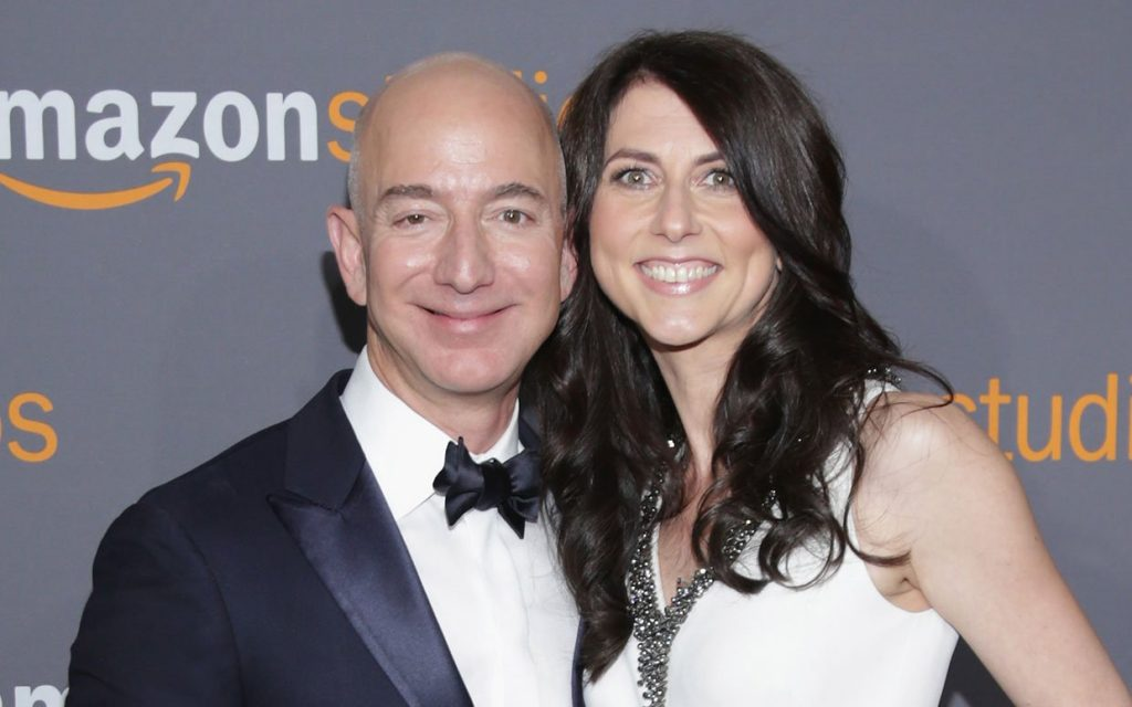 The Richest Man On Earth Jeff Bezos Is Getting A Divorce
