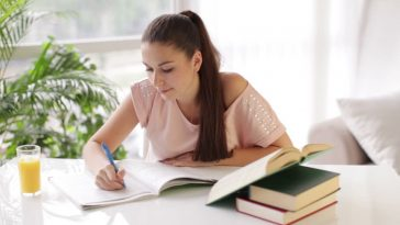 examples of college admission essay