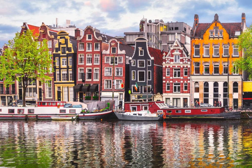 Top Locations You Should Visit In April amsterdam